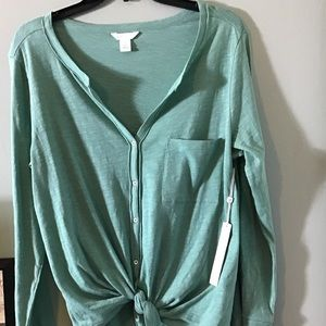 NWT Caslon | Tie Front blouse with front pocket.